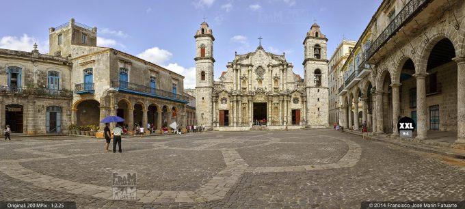 E1953514. Plaza de la Catedral. La Habana, Cuba