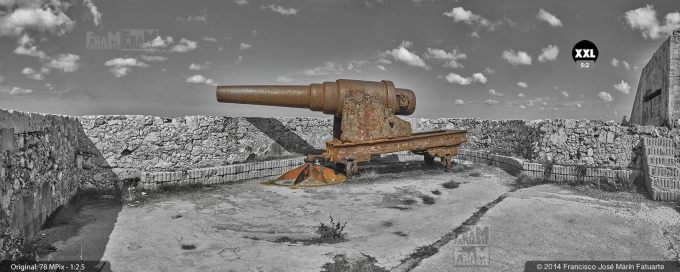 E2031503. Vieja artillería en el castillo del Morro. La Habana, Cuba