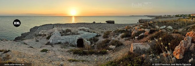 K8549106 Sunset near Cala Blanca - Ciudadela, Menorca (Spain)