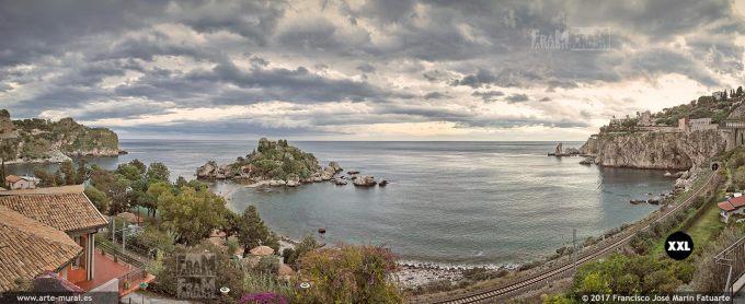 H5982055. Isola Bella bay in Taormina. Sicily (Italy)