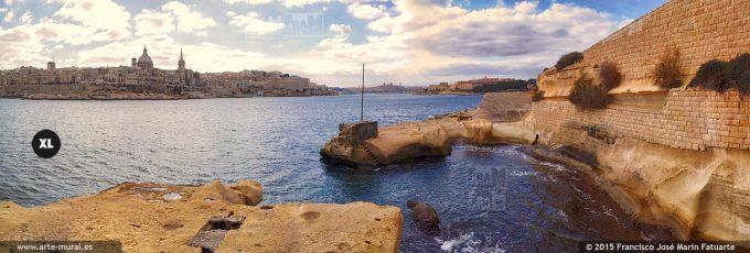 FQ018308. La Valletta from Tigné point beach